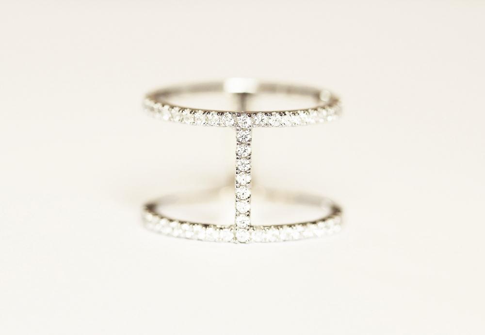 Les bijoux créateurs , accessoires indispensables pour un look soigné2