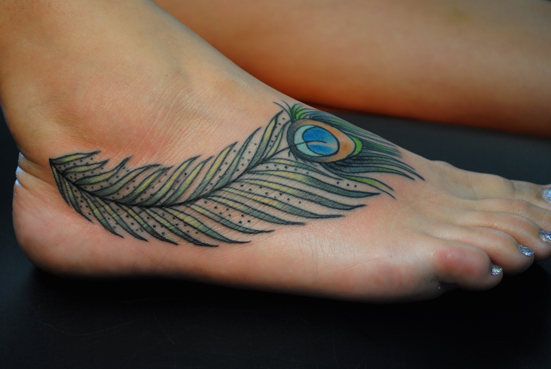 Le tatouage plume - de la légèreté à fleur de peau !2