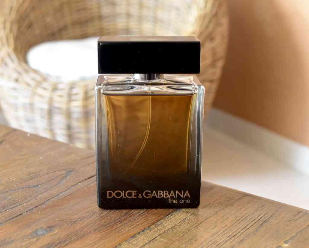 parfumerie les hommes aussi craquent pour les fragrances. Black Bedroom Furniture Sets. Home Design Ideas