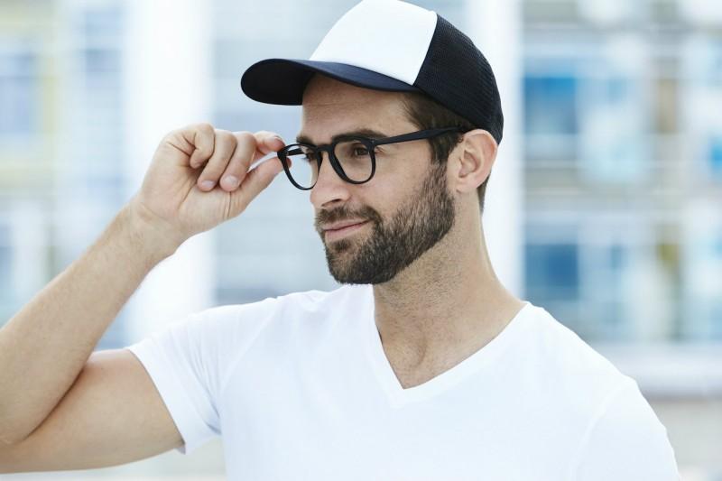 code promo 79152 eca07 Chapeau, bonnet ou casquette : comment les intégrer à votre ...