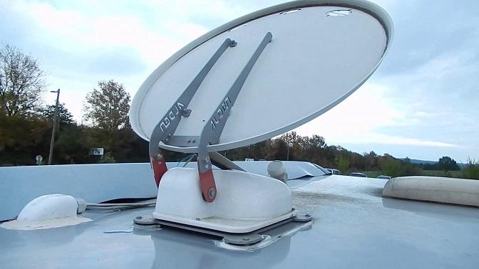 Comment poser une antenne de camping-car ?