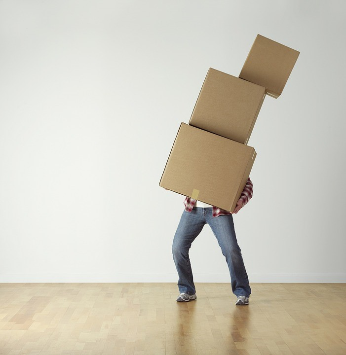 Passer par un garde-meubles pour son déménagement : conseils et astuces