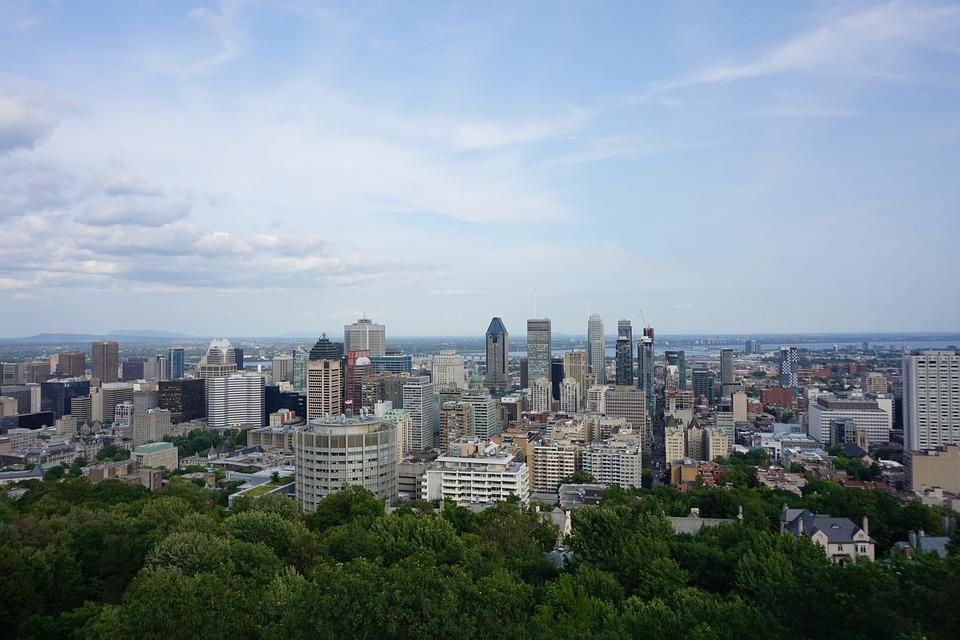 Faire une petite escapade en voiture à Montréal